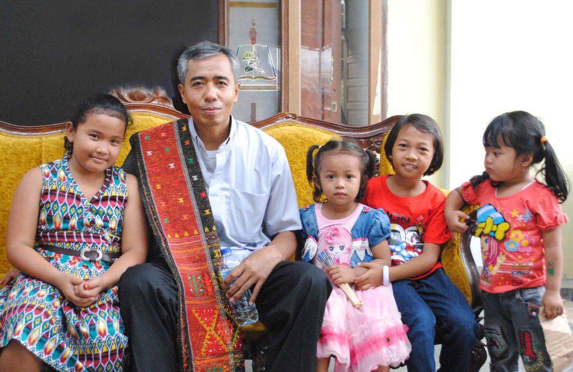 Bersama anak-anak di WIlayah 3 Paroki St Paulus Pekanbaru