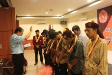 Jajaran DPC PMKRI Cabang Pekanbaru periode 2014-2015  mendapat berkat dari Pastor Moderator P Benny Benedictus Manullang Pr