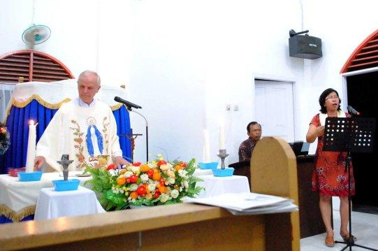 Misa menjelang akhir tahun dipimpin Pastor Franco Qualizza, SX / Dok Admin