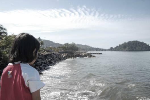 Merenung di Pantai Padang / Foto Admin