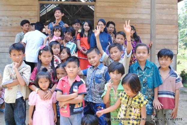 Anak muda dan anak-anak / Foro Ren