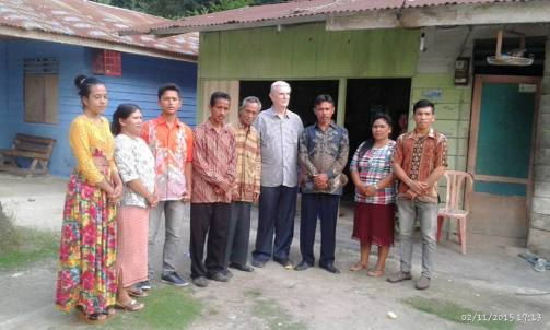 Pengurus stasi bersama Pastor Otellp Pancani, SX / Foto : Prandika GInting
