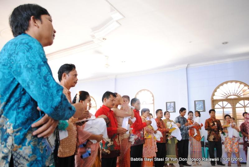 Penerimaan Sakramen Permandian Stasi St Yohanes Don Bosco Rajawali / Foto : Yani