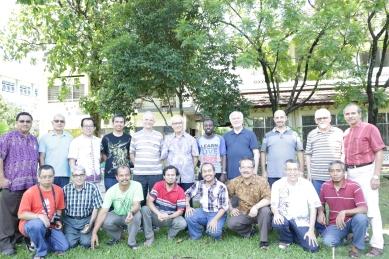 para anggota kapitel dan P. Mario C Mula dari Roma
