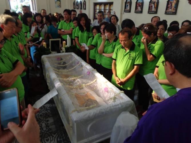 Pencinta Alam Fransiskus Assisi Padang menghadiri Misa requiem - Foto Kuang
