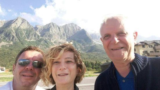 Bersama dengan keponakan, di Pegunungan Alpen, Juli 2016. Dok. Pribadi